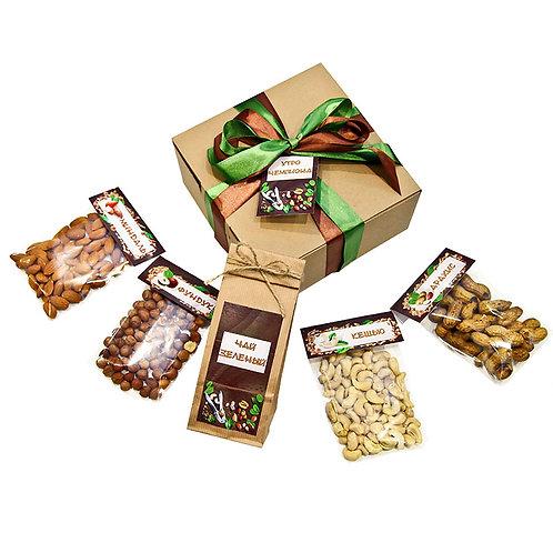 Подарок с орехами