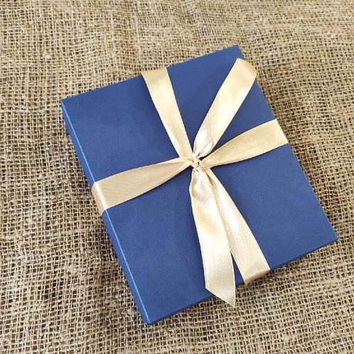 Подарочные коробки для автообложек