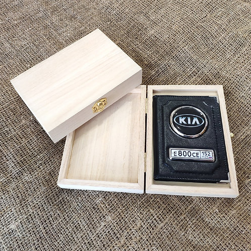 Подарочная деревянная коробка для автообложки
