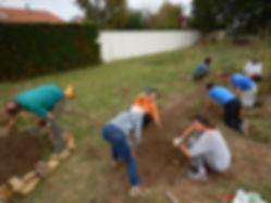 Bénévoles, jardinage collectif