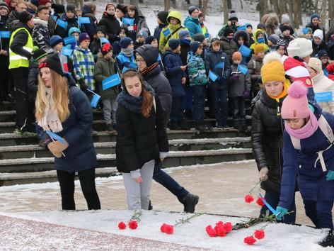 Посвящяется  75-й годовщине со Дня полного освобождения Ленинграда от фашистской блокады.