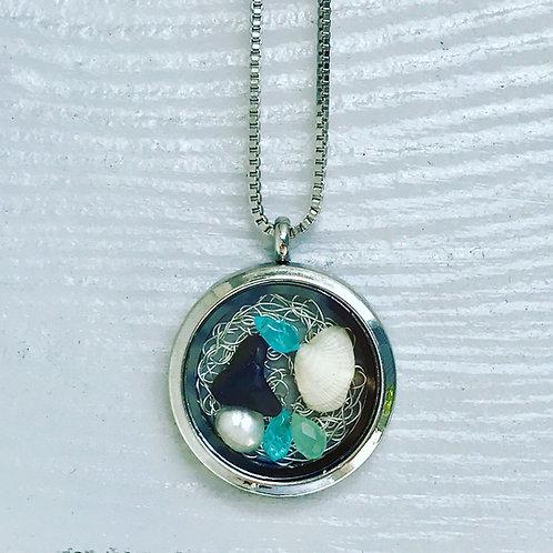 Beachy jewelry necklace