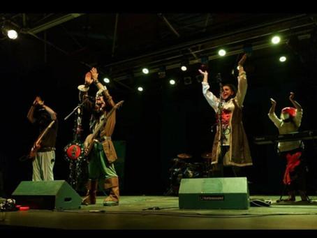 Lleno total en el concierto benéfico organizado por Proyecto Perrutis, BeYou y Covibar