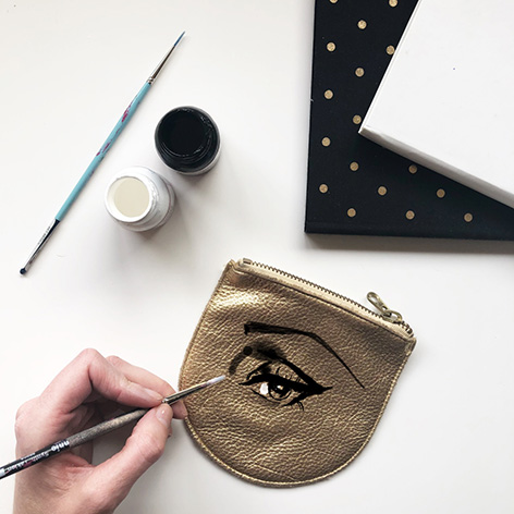 Fashion Eye on a Leather Coin Purse
