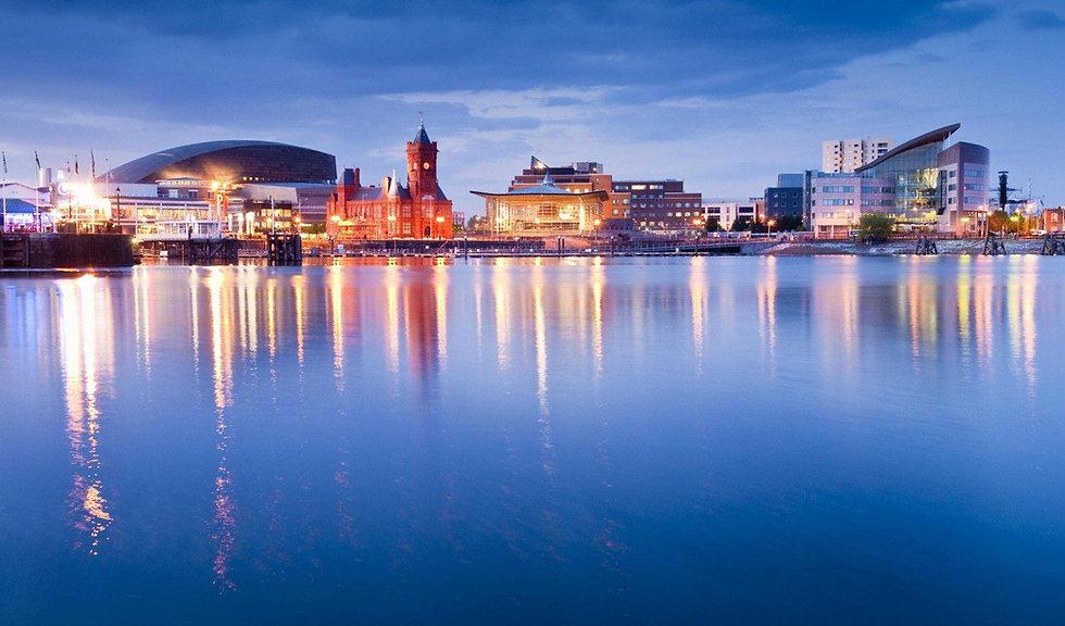 Cardiff Bay at night.jpg