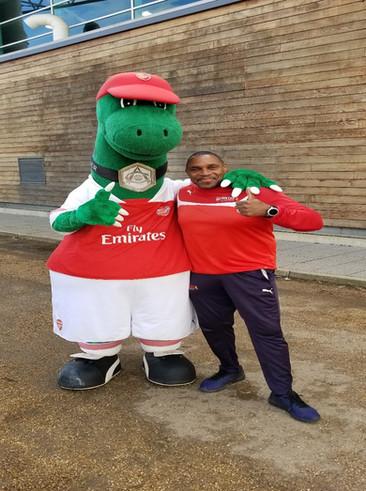 Arsenal FC Beloved mascot - Gunnersaurus