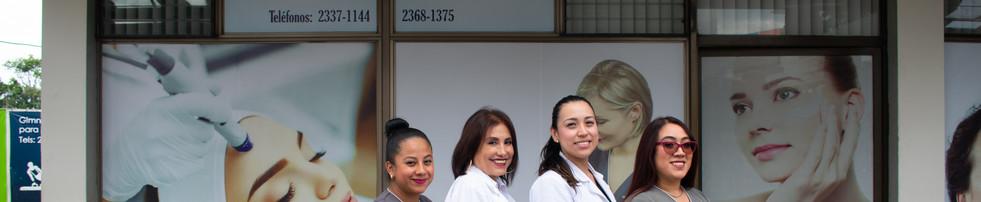 """Dirección: Diagonal 6 16-23 zona 10, centro comercial """"La Villa"""" locales 12 y 13, ciudad de Guatemala  Telefonos: 2337-1144 / 2508-0423  Horarios: Lunes a viernes 8am - 5pm  Sábados 8am - 1pm"""