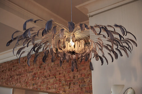 Deckenlampe mit Federn