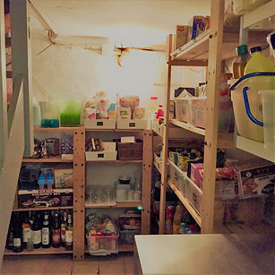kelder opruimen, wat bewaar je veel, spullen labelen, vervolgopdracht gekregen