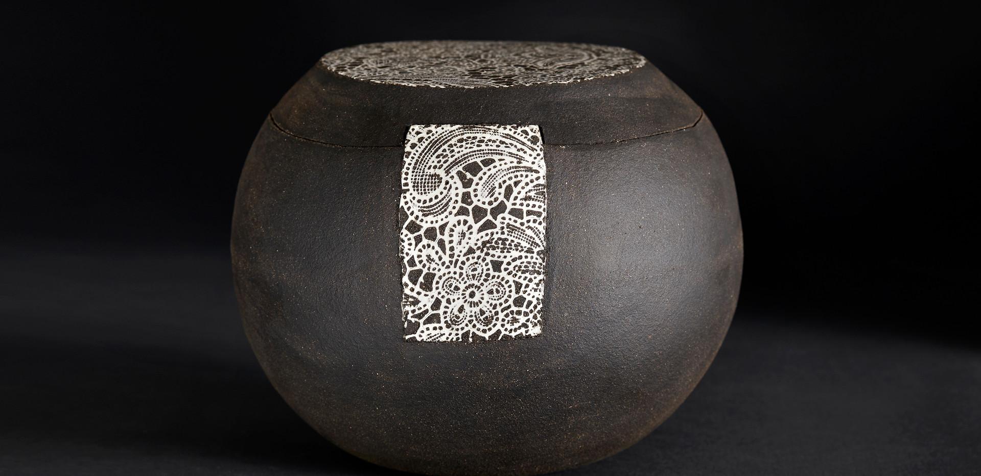 Boîte sphère  diam 16 / haut 14 cm