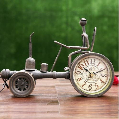 Creative Vintage Metal Tractor Model Table Clock Decorative Wrought Iron Vehicle