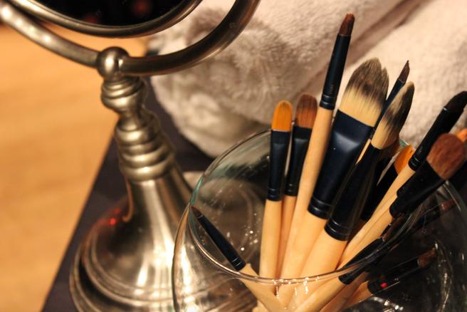 Blush Makeup brushes.png