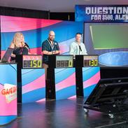 challenge-quiz-game-show-contestants.png