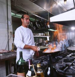 Chef in kitchen4x4_300