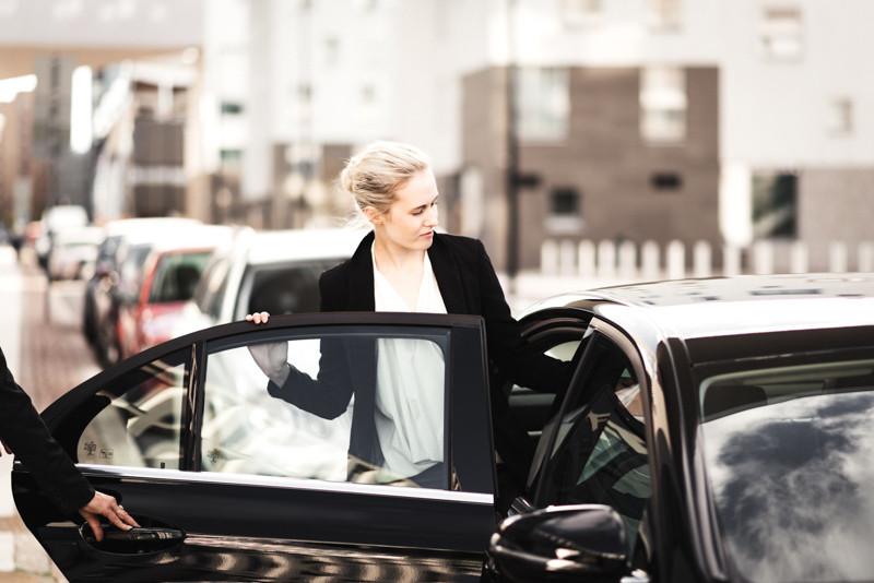 Finavia valitsi Lähitaksin hoitamaan lentokentän taksipalveluita. Kaksi muuta olivat Vantaan taksi ja Kajon.
