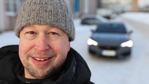 Autotoimittaja-Antti-Liinpää-ja-Cupra-Le