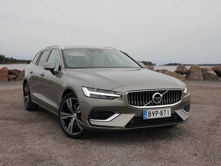 Koeajo: Volvon harmoninen ja tehokas kompakti ladattava hybridifarkku V60 T8