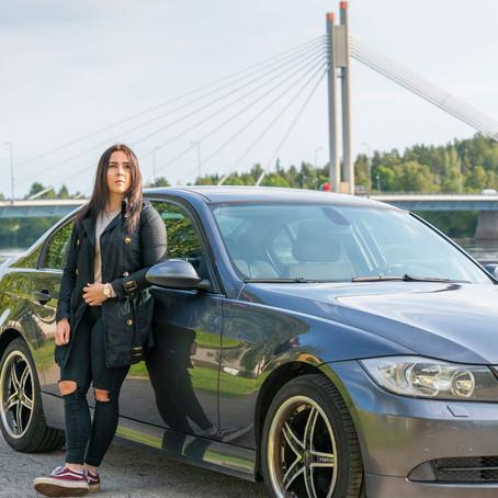 Yksityinen autokauppa sähköistyy: Auto vaihtoi omistajaa Espoosta Rovaniemelle ilman koeajoa