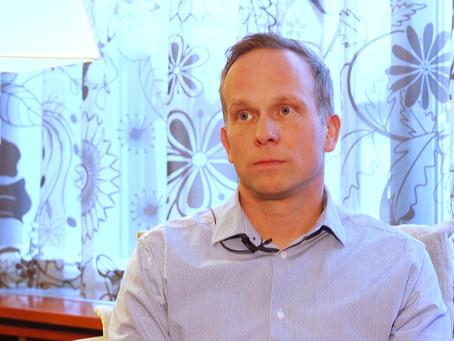 Tuotantotalo Samuus Oy tuotti ratkaisukeskeisen videosarjan Homepakolaiset ry:lle