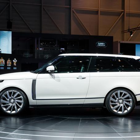Kaksiovinen Range Rover SV Coupé houkuu luksusta ja historiaa