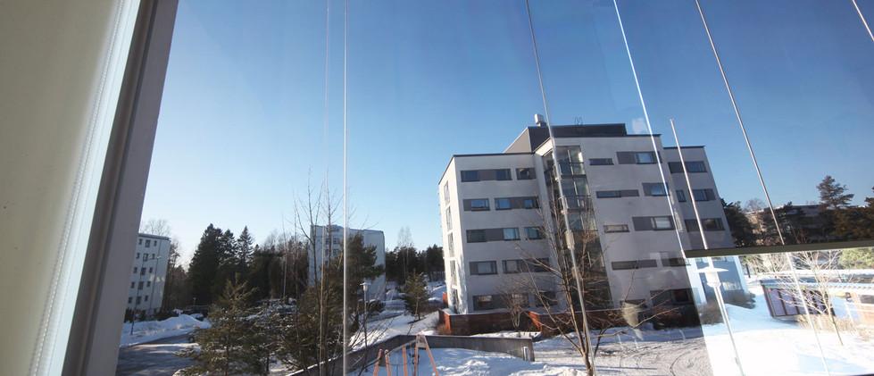 Eeria-Oy-ALUX-kalvoverho-parvekekuva-sis