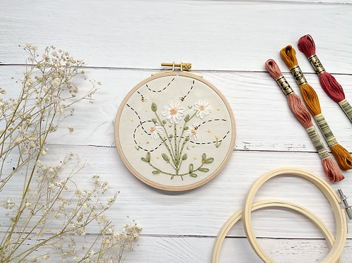 Daisies and bee Embroidery hoop art