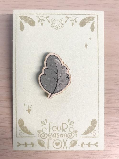 """Wood pin """"leaf"""""""