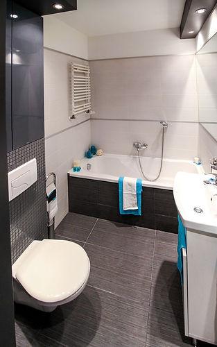 apartment-bathroom-bathtub-358592.jpg