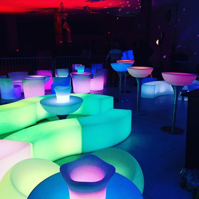 #loungefurniture #loungechairs #lounge #loungeparty #djstuff #loungevent