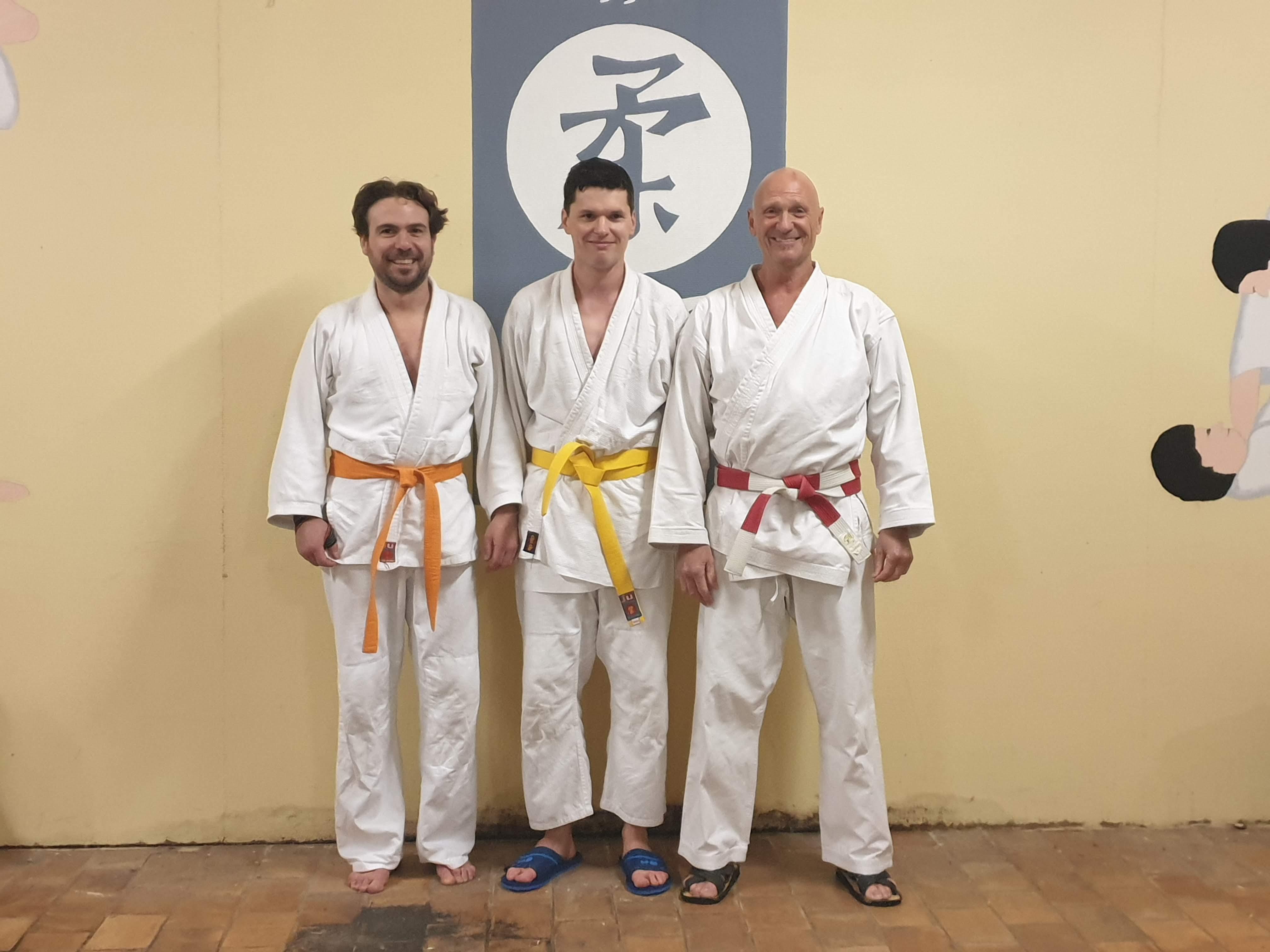 Gunnar, Stijn en Erik na examen geel Stijn
