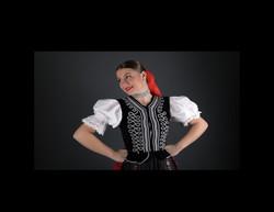 Girl_Slavic_Traditional_Attire_2018_0809