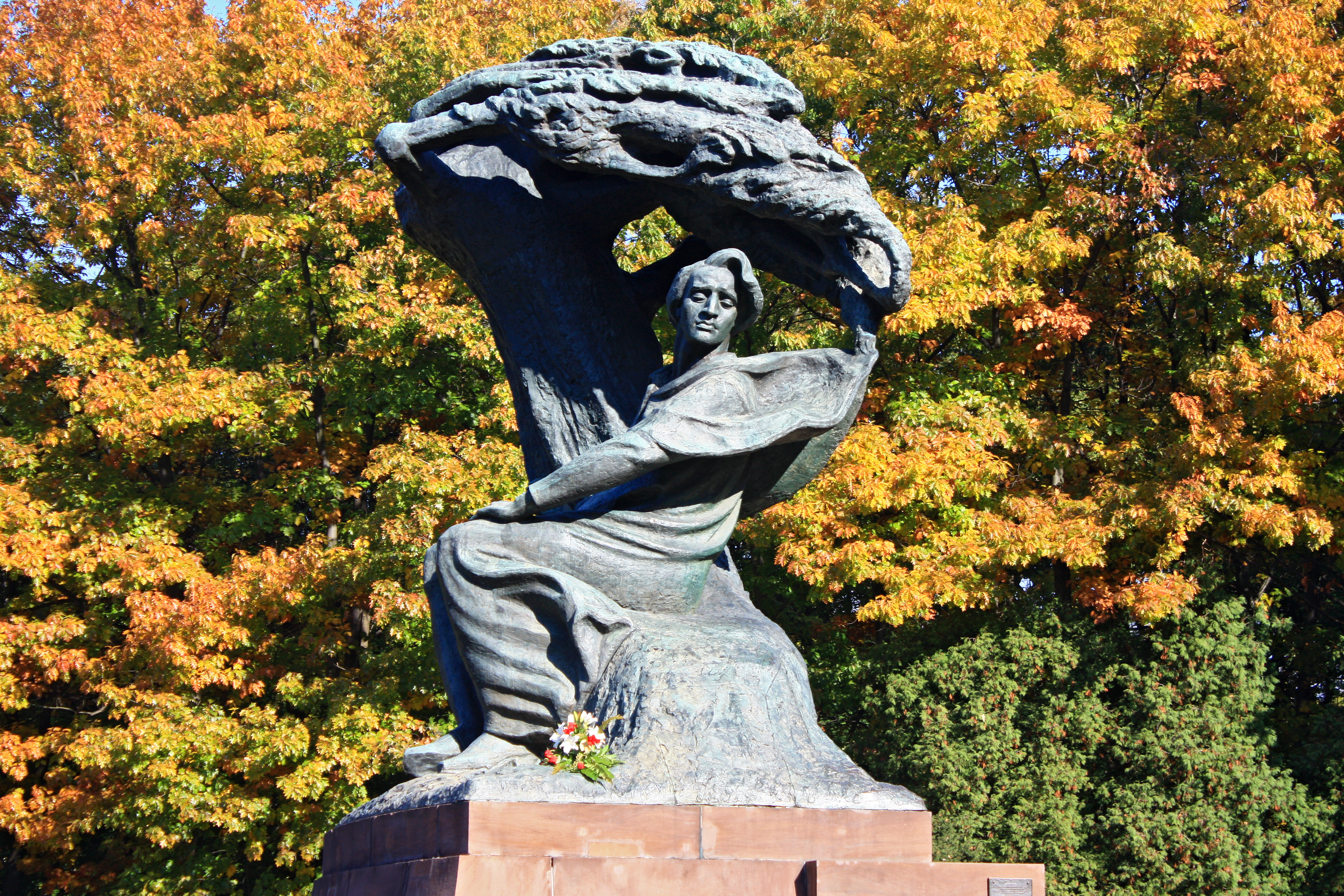 F_Chopin_Monument_Warsaw_2018_0809