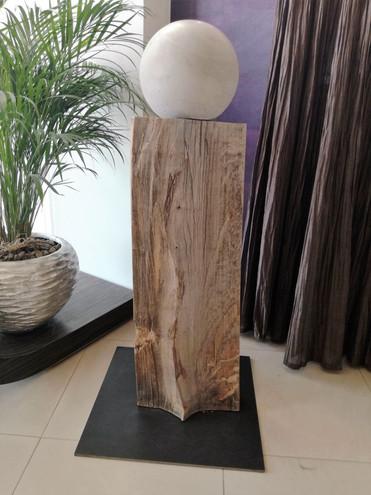 Skulptur/Dekoration/Wohnaccessoires aus Holz und Beton