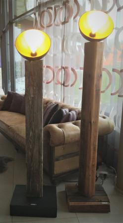 Stehlampen/Deckenleuchten aus Altholz