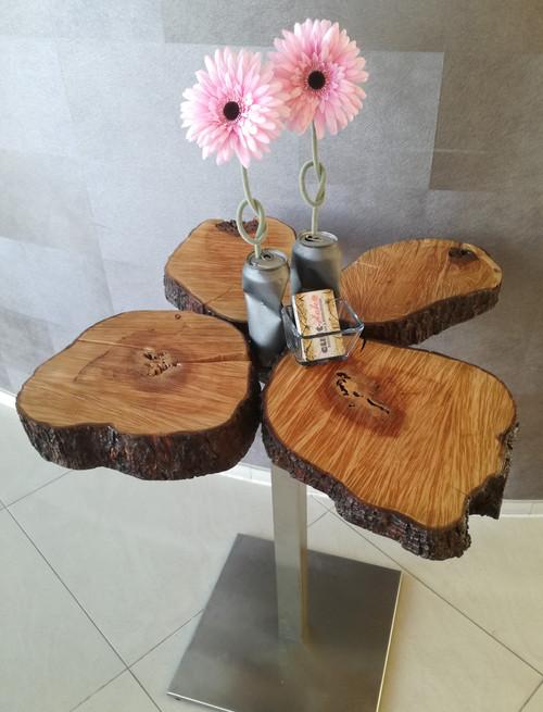 Beistelltisch/Tisch aus kleinen Baumscheiben