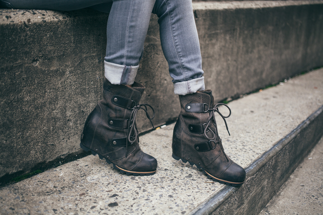 2bf5f5b8d232 Gotta Get  Sorel Joan of Arctic Wedge Mid Boot