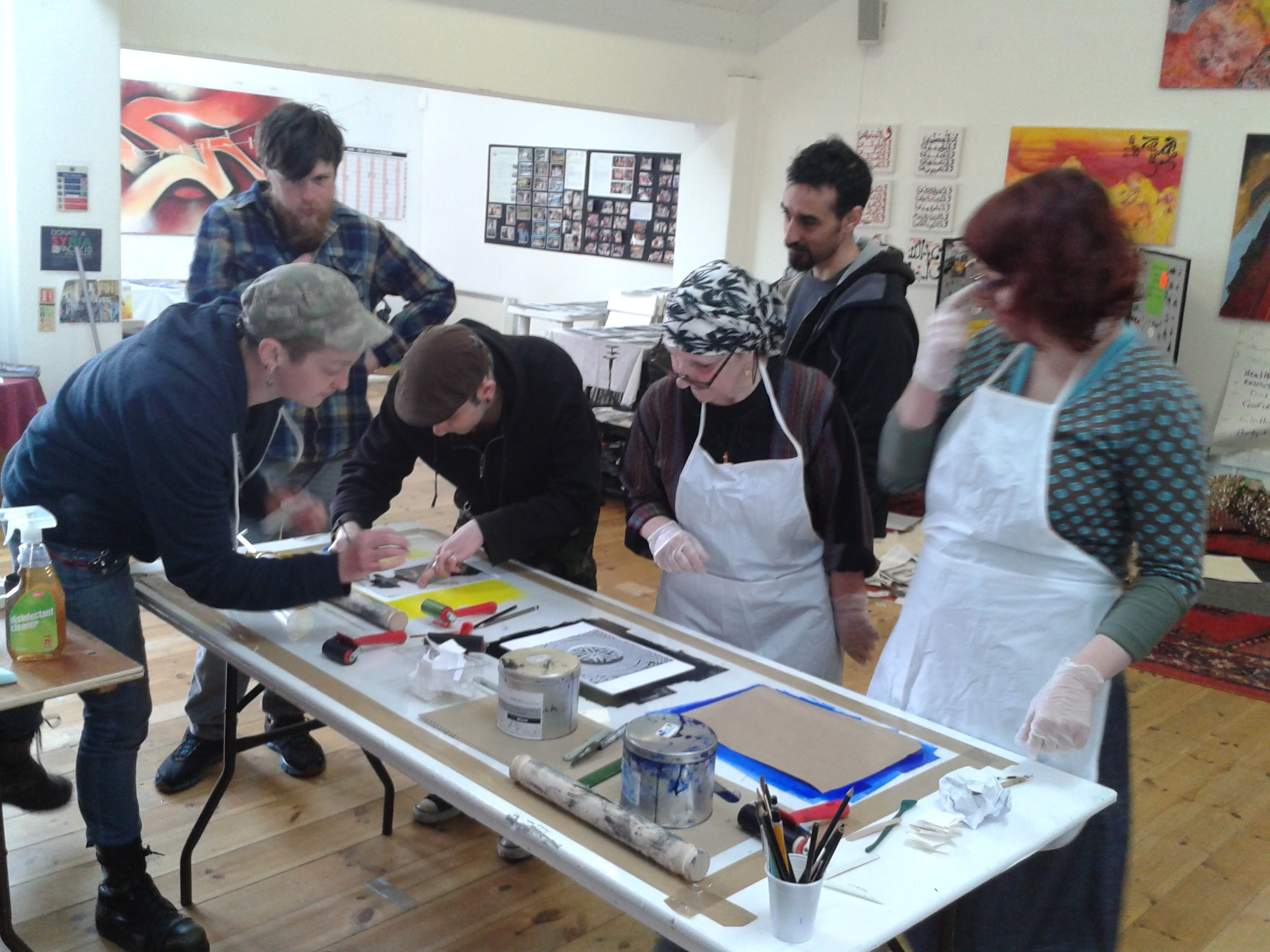 FREE ART CLASSES -APRIL 2014