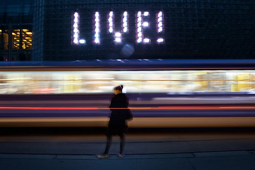 LIVE! The sign