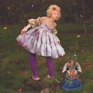 Illustrated Collaboration for Quince Magazine.  Model- Nan Mthembu Photography- Hamdi Asma Styling- Tudor Covaciu MUA- Daisy Moore Illustration- Naomi Bettridge