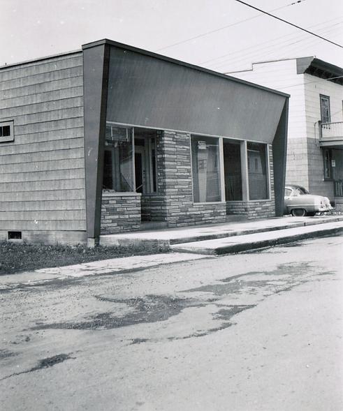 Bijouterie 1954 800x1080.png