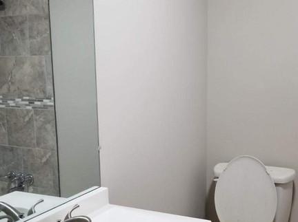 505 Burns Rd - Guest bathroom