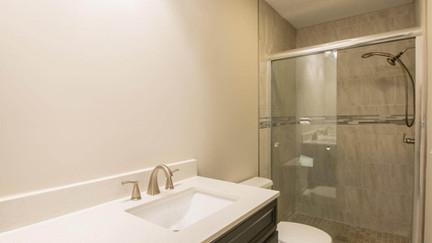 7512 Irongate Dr, Hixon - Master bathroo