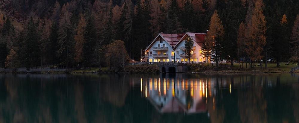 Profitable rental house on a lake