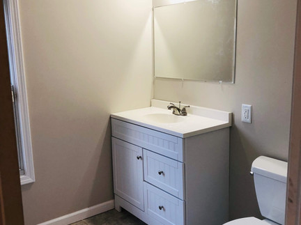 505 Burns Rd - Master Bathroom