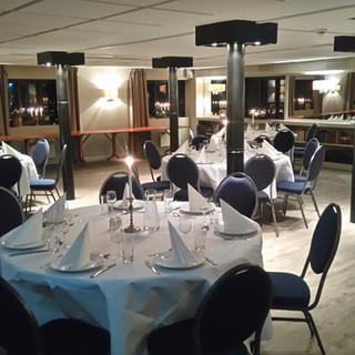 Runde bord er også hyggelig i Restauranten