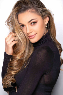miss-universe-demi-leigh-nel-peters-2017