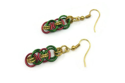 Helm Chain Earrings, Christmas ($5-$6)