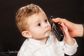 photo enfant au telephone