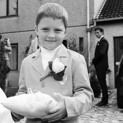 l'enfant porteur de la bague de mariage