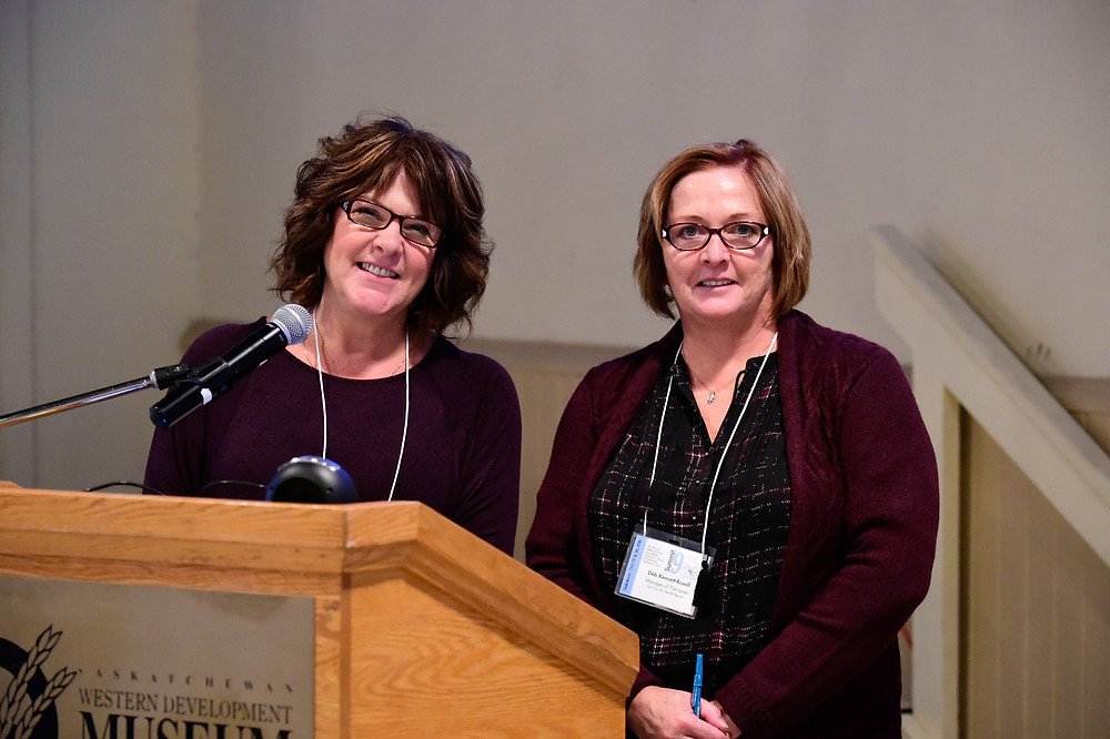 Left to right: Jean Daku, Nurse Practitioner, and Deb Kennett-Russill, Occupational Therapist presenting at the Rural Dementia Summit in 2016.
